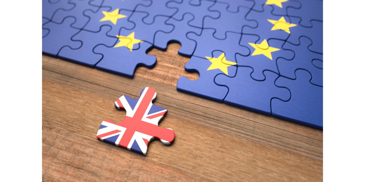 Accord de retrait: la Commission européenne adresse une lettre de mise en demeure au Royaume-Uni pour manquement à ses obligations